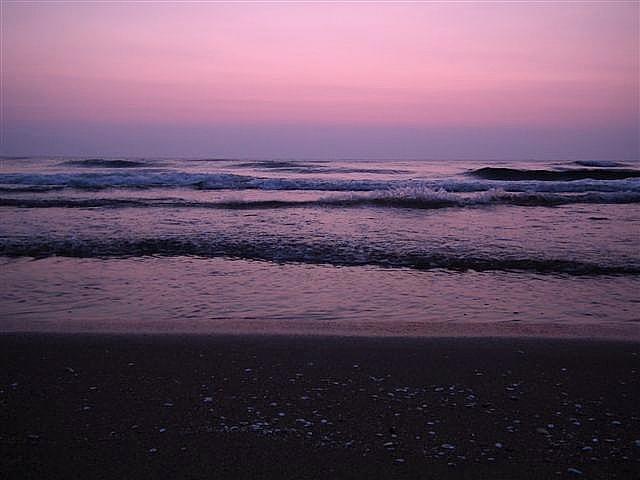 海で雲が冴えない時は波を撮る (1)