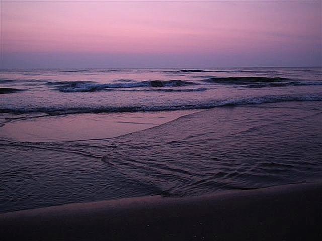海で雲が冴えない時は波を撮る (2)