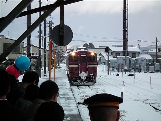 城端・氷見線ラッピング列車 (6)