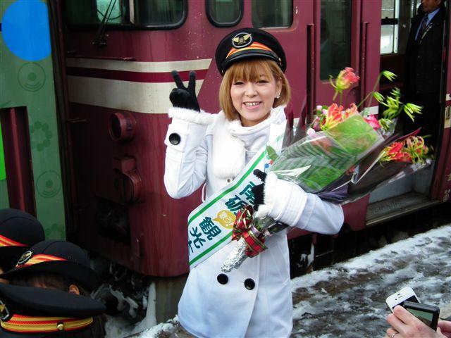 城端・氷見線ラッピング列車 (9)