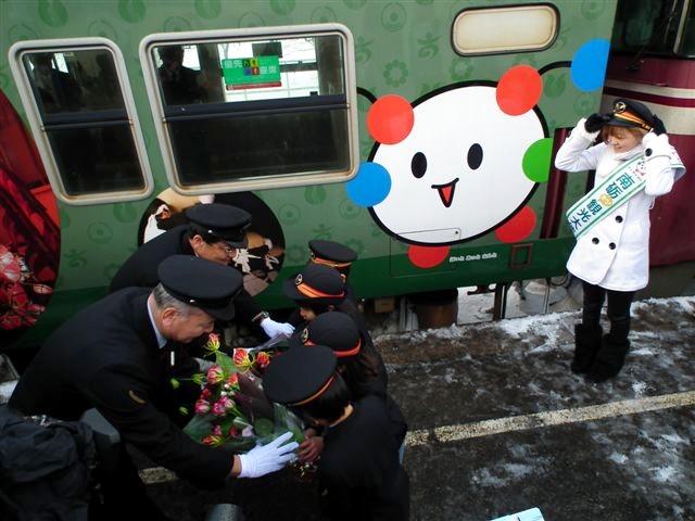 城端・氷見線ラッピング列車 (10)