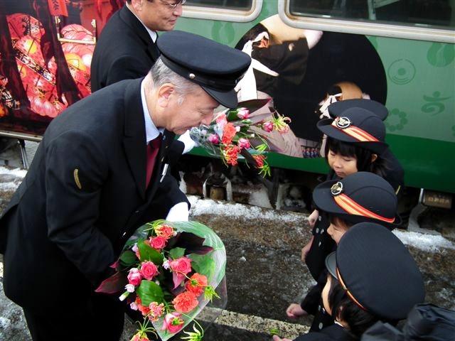 城端・氷見線ラッピング列車 (11)