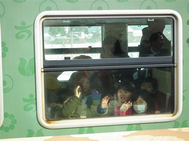 城端・氷見線ラッピング列車 (17)