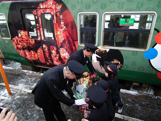 城端・氷見線ラッピング列車 (10-2)