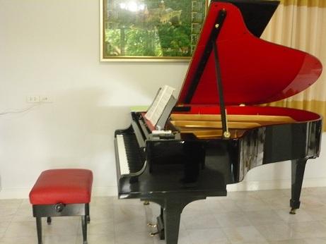 瀬田先生のピアノ