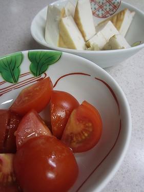 20140117 冷やしトマトとかまぼこ