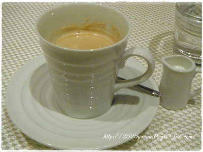 F20120721レストラン間09