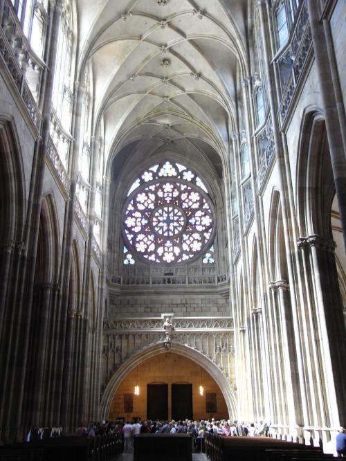 後ろプラハ大聖堂縮小