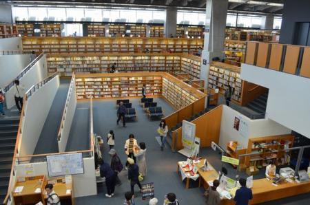 図書館内部2