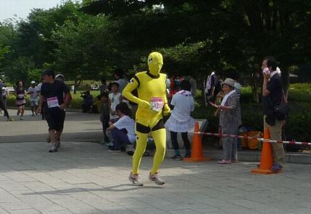 黄色い覆面