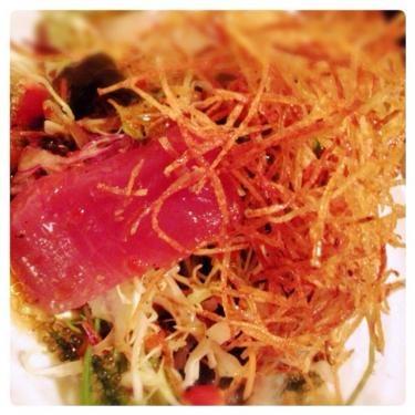 青い魚しかいないイメージですがマグロも食べれます笑。海鮮サラダはやっぱりオーダーしちゃいます。