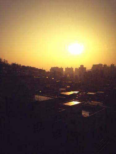 今日の温かい夕日。