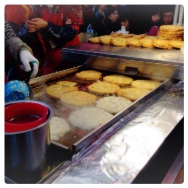 シジャン(市場)のピンデットッはやっぱり食べたくなるフードNO1