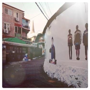 キョンヒ大の路地もアートが・・。