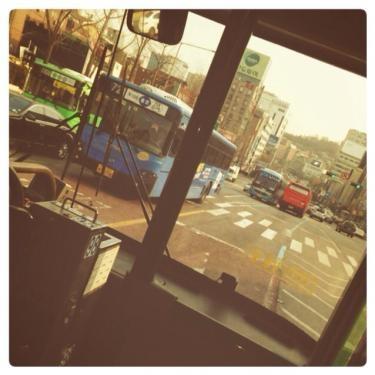 近所にお出掛けですが久々にバス移動♪