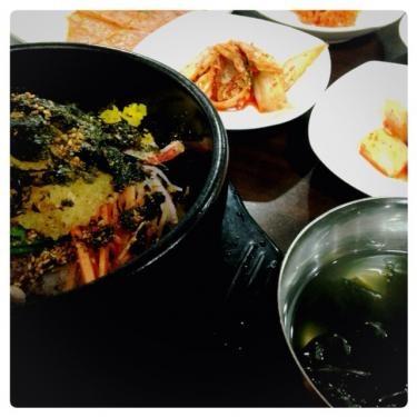 ホンデ正門の近所の食堂にて。安くて美味しいッ!