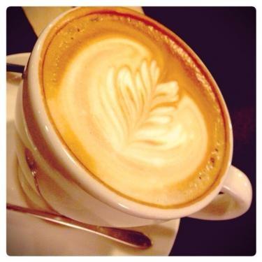 カフェは時に自分の今を語り今後を考える場所でもある。