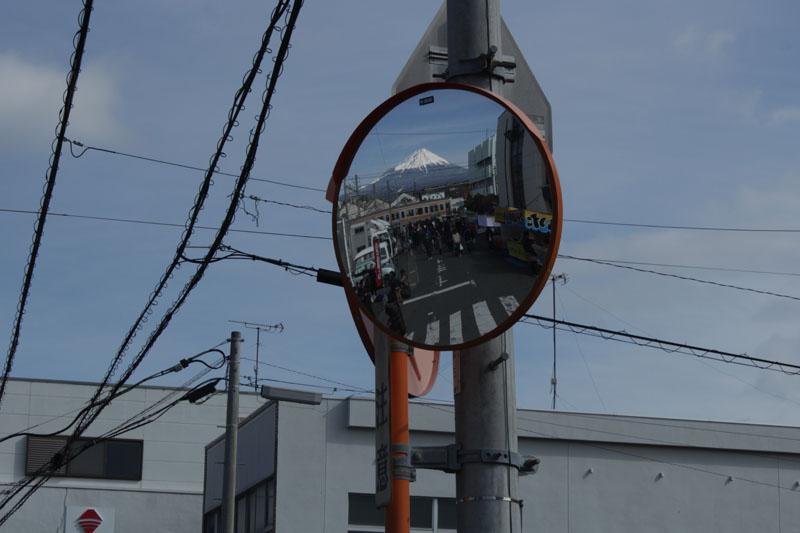 富士市鈴川東町のカーブミラー・130217