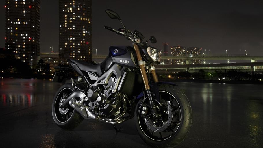 2014-Yamaha-MT-09-EU-Deep-Armor-Static-001.jpg