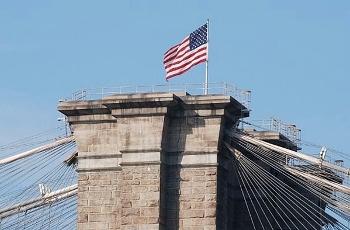 ブルックリン橋の星条旗