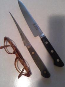 petiknives.jpg