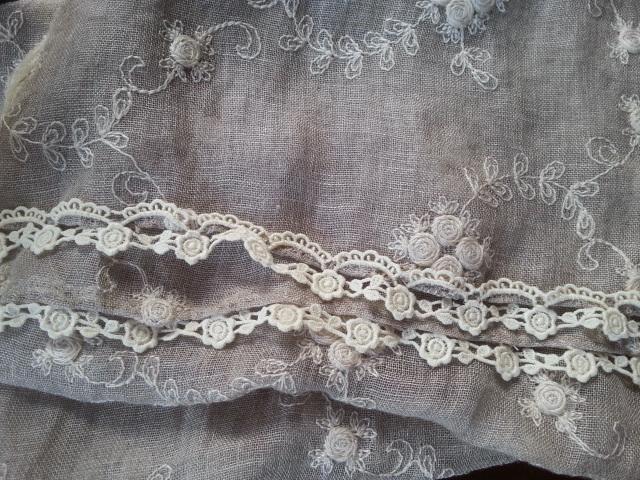 リネンガーゼお花刺繍ストールナチュラル