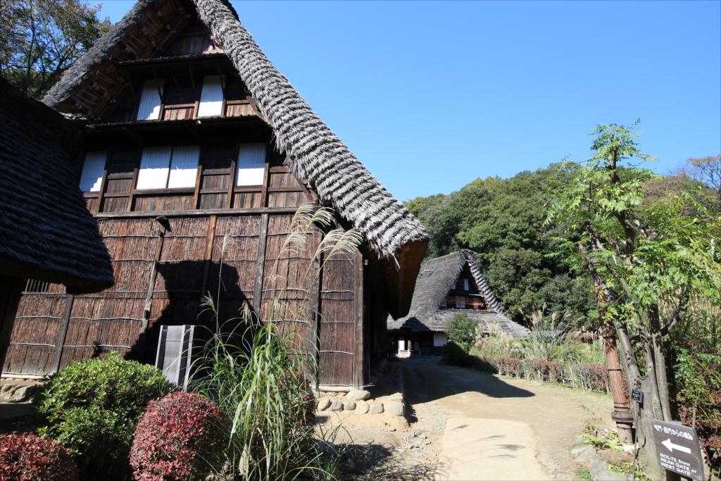 手前の小さな家作は、肥料小屋を兼ねた便所_2