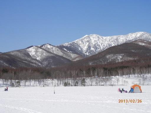 冬季、バラギ湖と四阿山