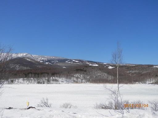 バラギ湖よりのスキー場