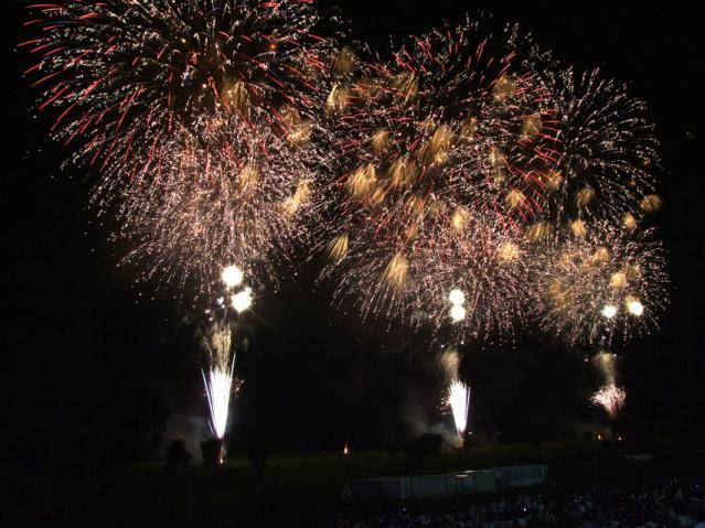 2012年 古河花火大会のワイドスターマイン(4)