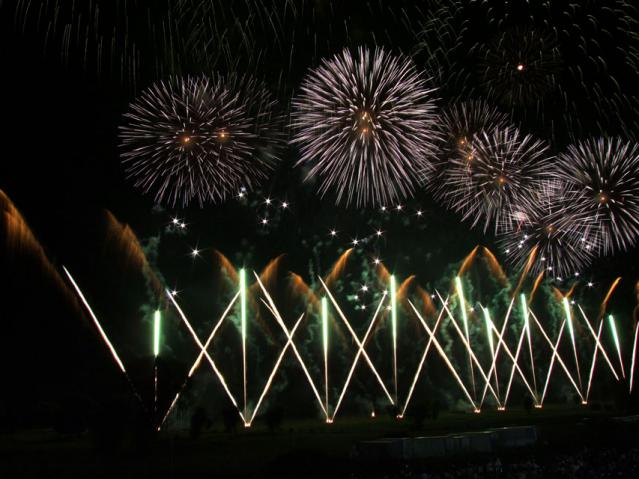 2012年 古河花火大会のワイドスターマイン(6)