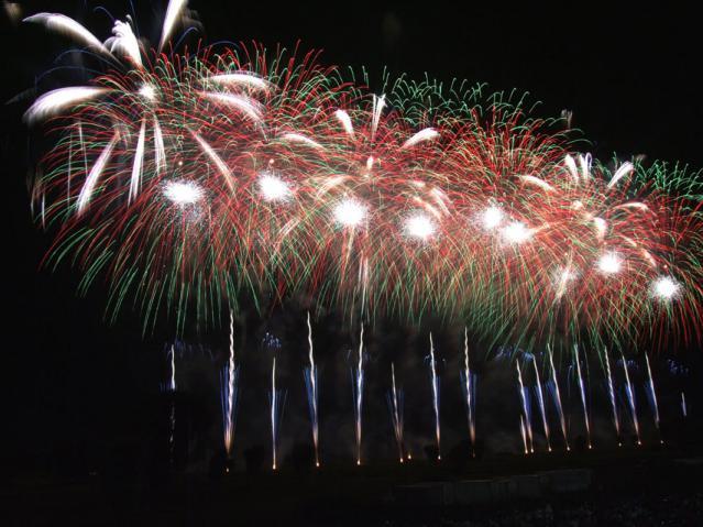 2012年 古河花火大会のワイドスターマイン(7)