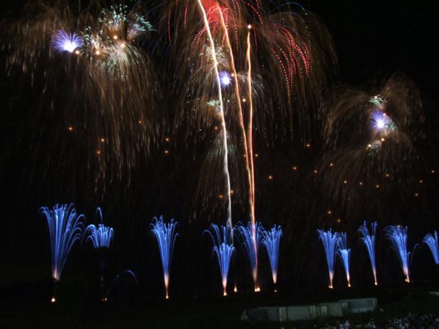 2012年 古河花火大会のワイドスターマイン(11)
