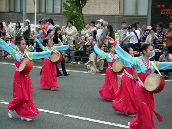 神奈川朝鮮中・高級学校の生徒による踊り