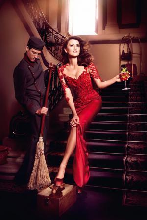 penelope_cruz_desafia_a_las_supersticiones_en_el_calendario_campari_2013_290432540_800x1200.jpg
