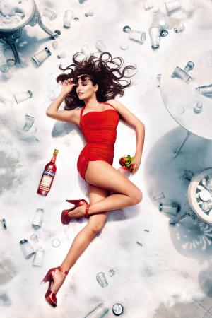 penelope_cruz_desafia_a_las_supersticiones_en_el_calendario_campari_2013_751380427_800x1200.jpg