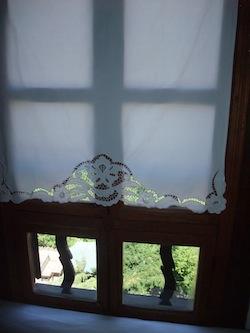 窓のレース