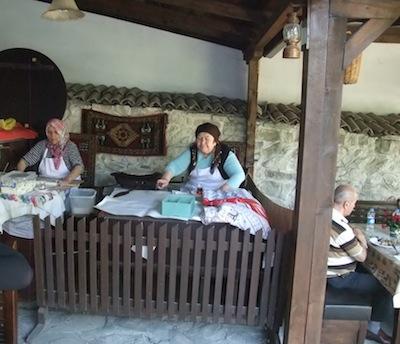 中庭の喫茶店