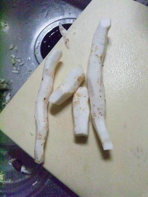 皮をむいた自然薯