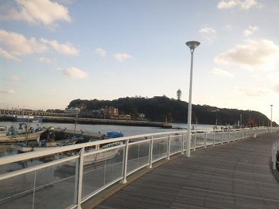 目の前は江ノ島