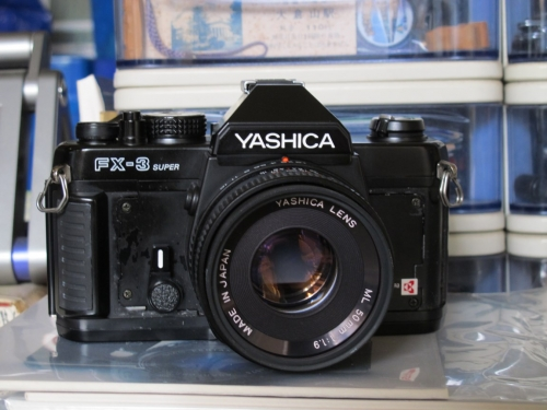 YASHICA FX-3 SUPER 1