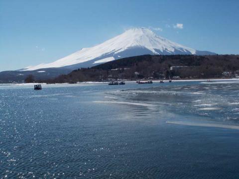 031山中湖の富士2