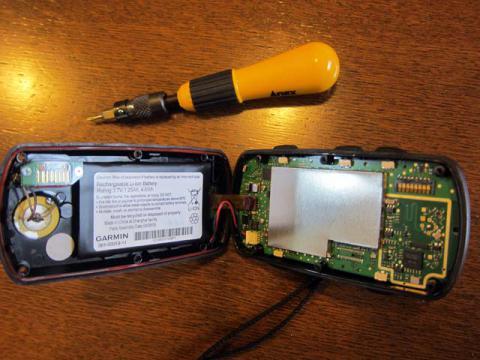 Edge705バッテリー交換2