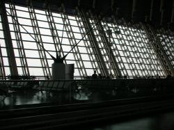 空港はだだっ広かったです