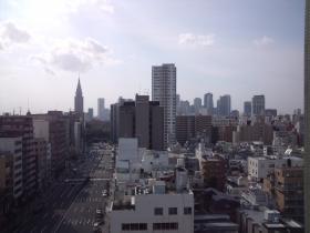 新宿方面の街並み