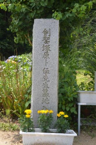 20130629塚原卜伝の墓01