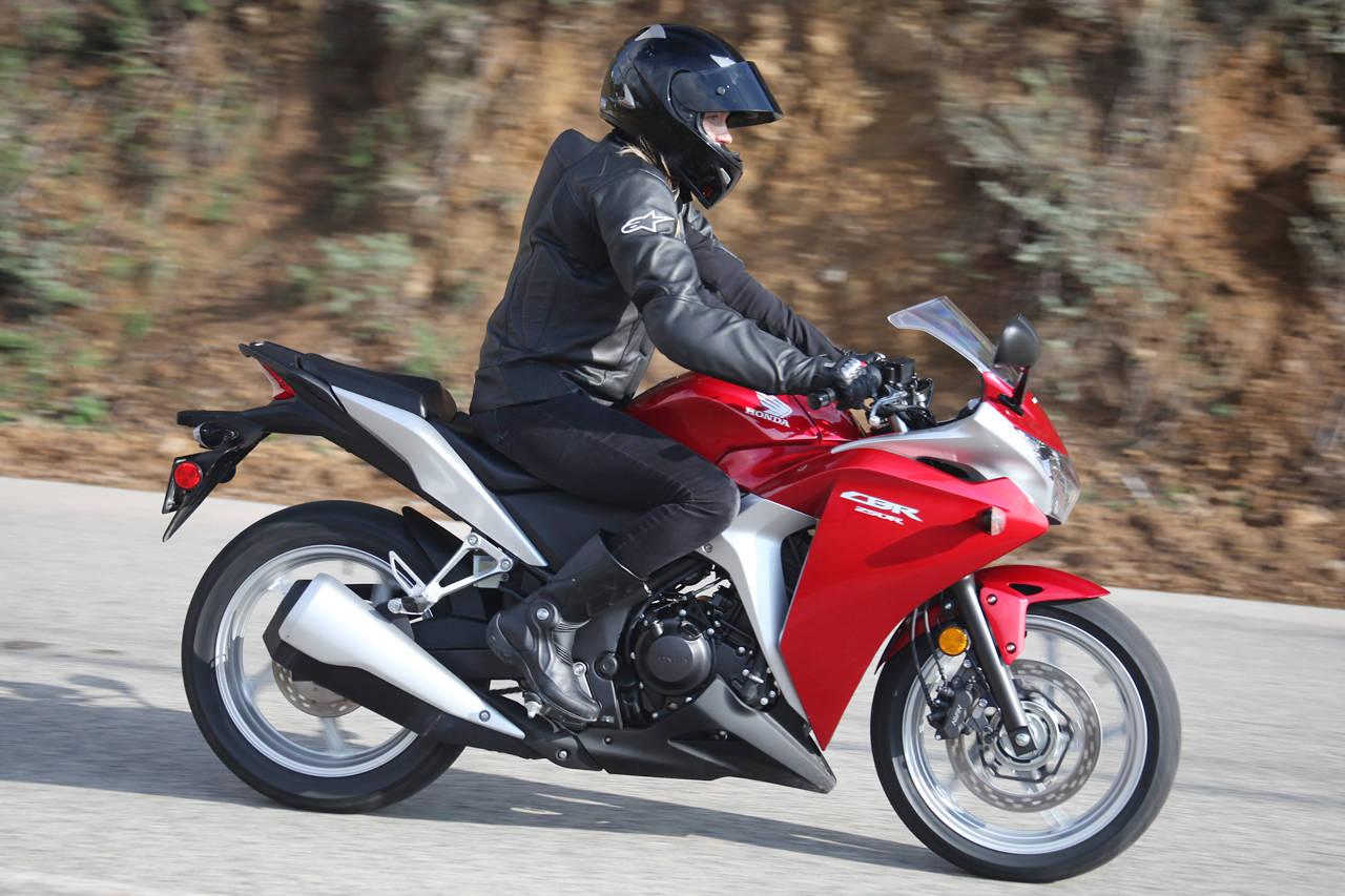 【mc22】cbr250rとかいう単気筒バイクwwwww【mc41】 バイクですよ?