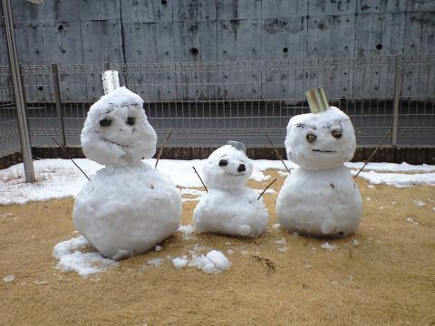 雪だるまつくった♪