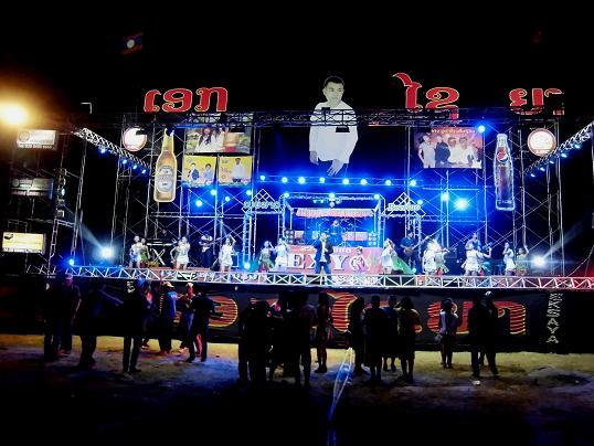 4 13.1.25-26ワットサラバスフォーンサン・のタートルアン祭り (73)