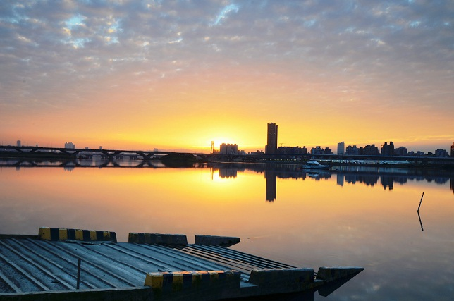黄昏時の桟橋